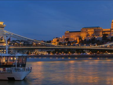 Ночная прогулка по Дунаю с коктейлями