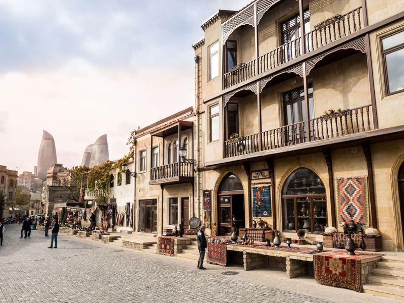 Онлайн-прогулка поСтарому городу Баку