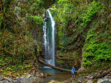 Волшебное путешествие к Ореховскому и Ажекским водопадам