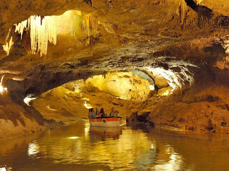 Экскурсия Подземная река в пещерах Святого Иосифа