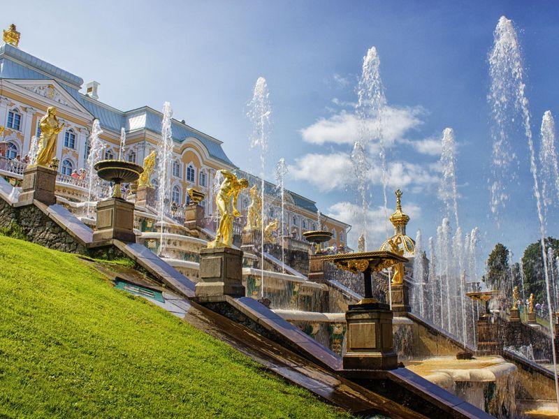 Экскурсия Дворцы, великолепный парк и фонтаны Петергофа
