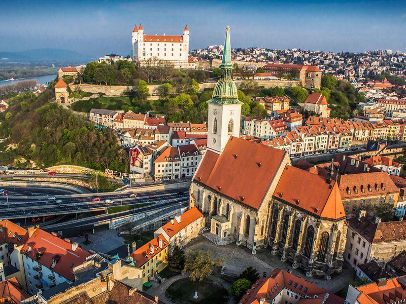 Авиабилеты из Перми в Братиславу