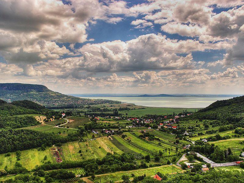 Экскурсия Красоты озера Балатон: поездка в Балатонфюред, Тихань и Хевиз