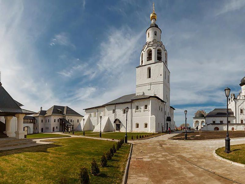 Свияжск, Храм всех религий и Верхний Услон