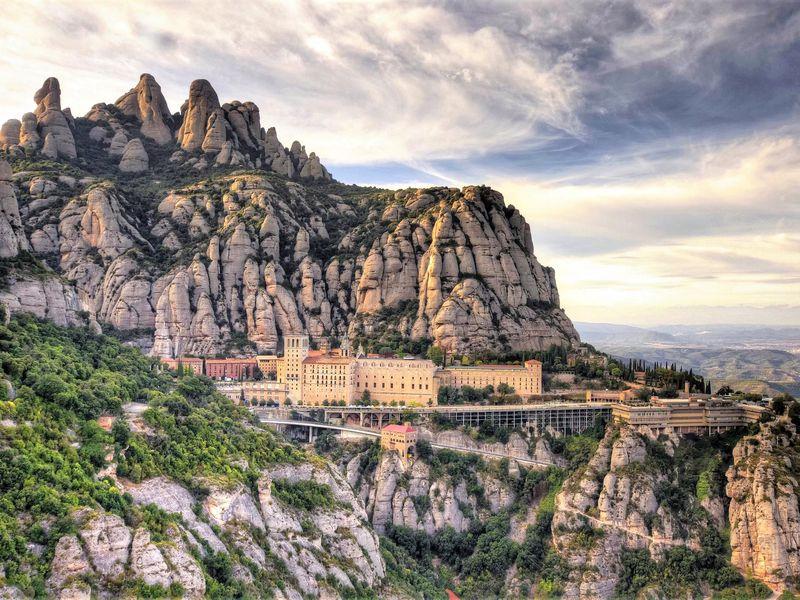 Экскурсия Онлайн-экскурсия «Монтсеррат — душа Каталонии»