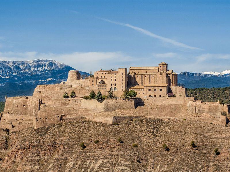 Экскурсия Тайны замка Кардона и волшебная Гора Соли