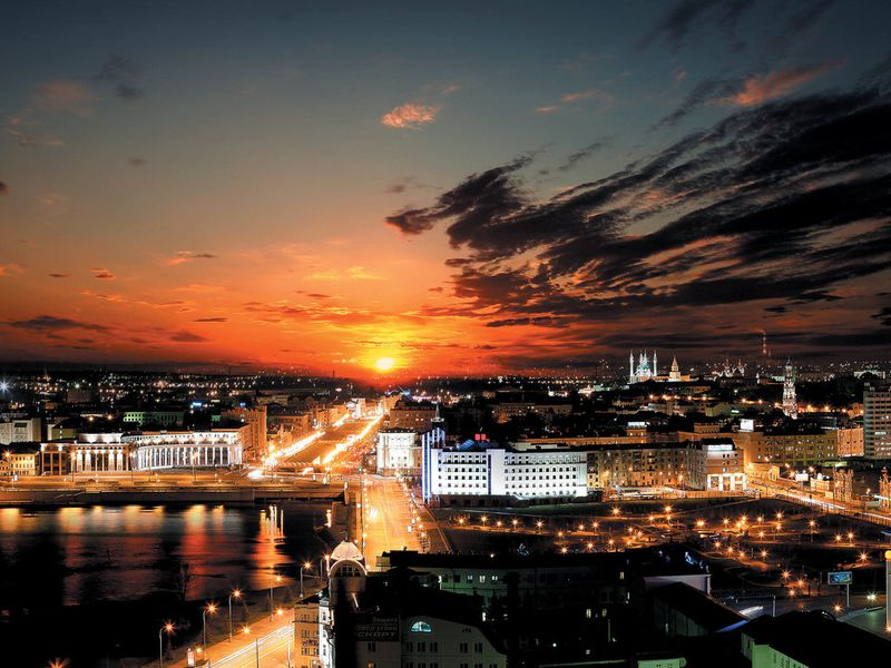 Огни и сюжеты вечерней Казани